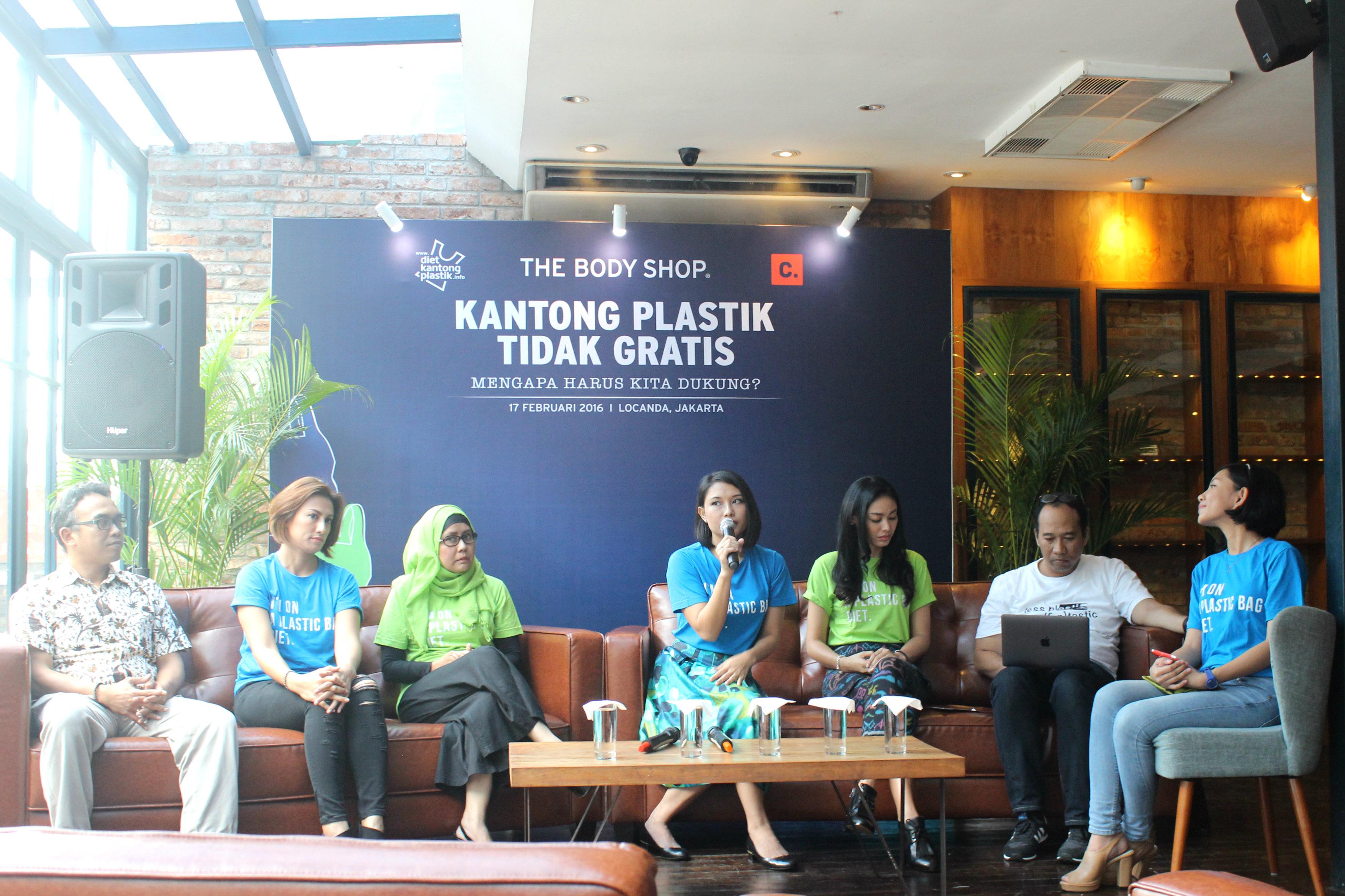 Nadine Zamira, Mendirikan Gerakan Indonesia Diet Kantong Plastik (GIDKP)