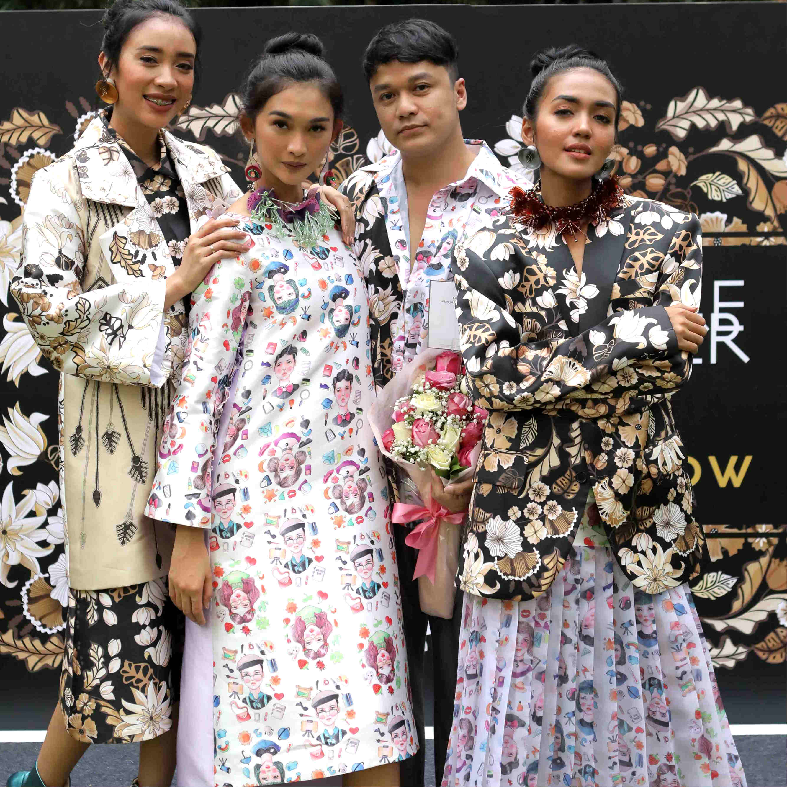 Make Over X Tities Sapoetra Untuk Paris Fashion Show
