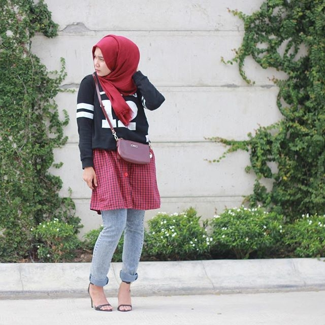 Try it:  Hijab in Red