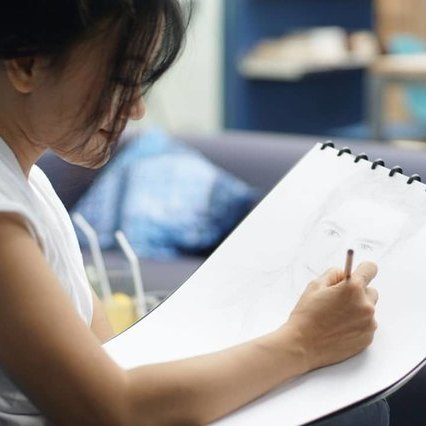 Menikmati Karya Seni Lukis Melalui Media Sosial